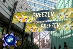 28-Teollisuustoimisto-Mainostoimisto_JIPS_messut-breezer-banderolli